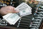 دلار به کانال ۲۳ هزار تومانی نزدیک شد