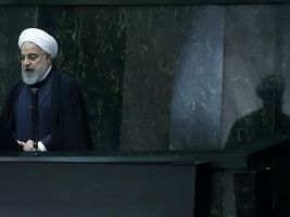 حلقهی محکومیت مجلس بر گردن دولت روحانی