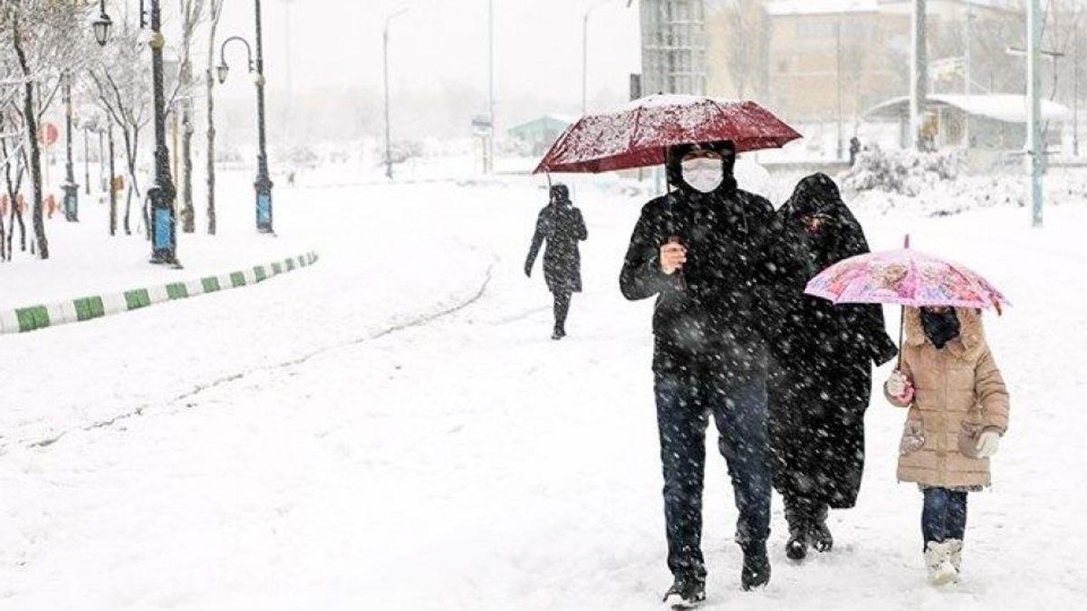 کولاک و برف در راه تهران