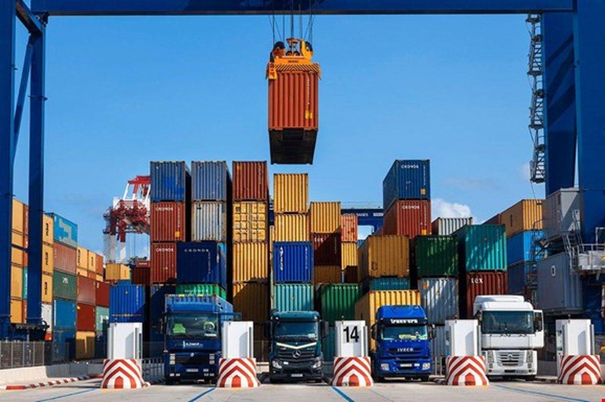 کاهش ۲/۵ میلیارد دلاری صادرات ایران به ۱۵ کشور همسایه