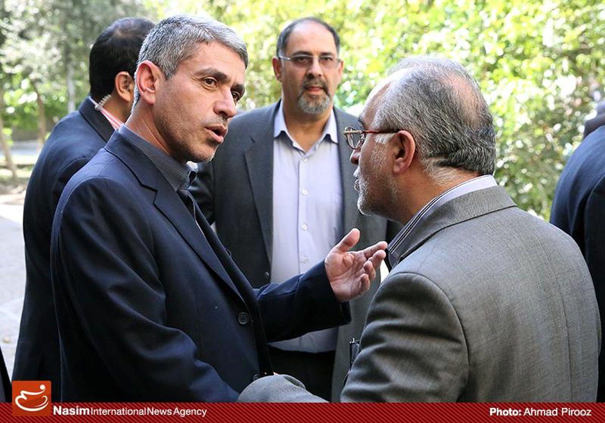 جابجایی یواشکی دو معاون وزیر اقتصاد از وزارتخانه!/ خبرنگاران از حضور در مراسم منع شدند