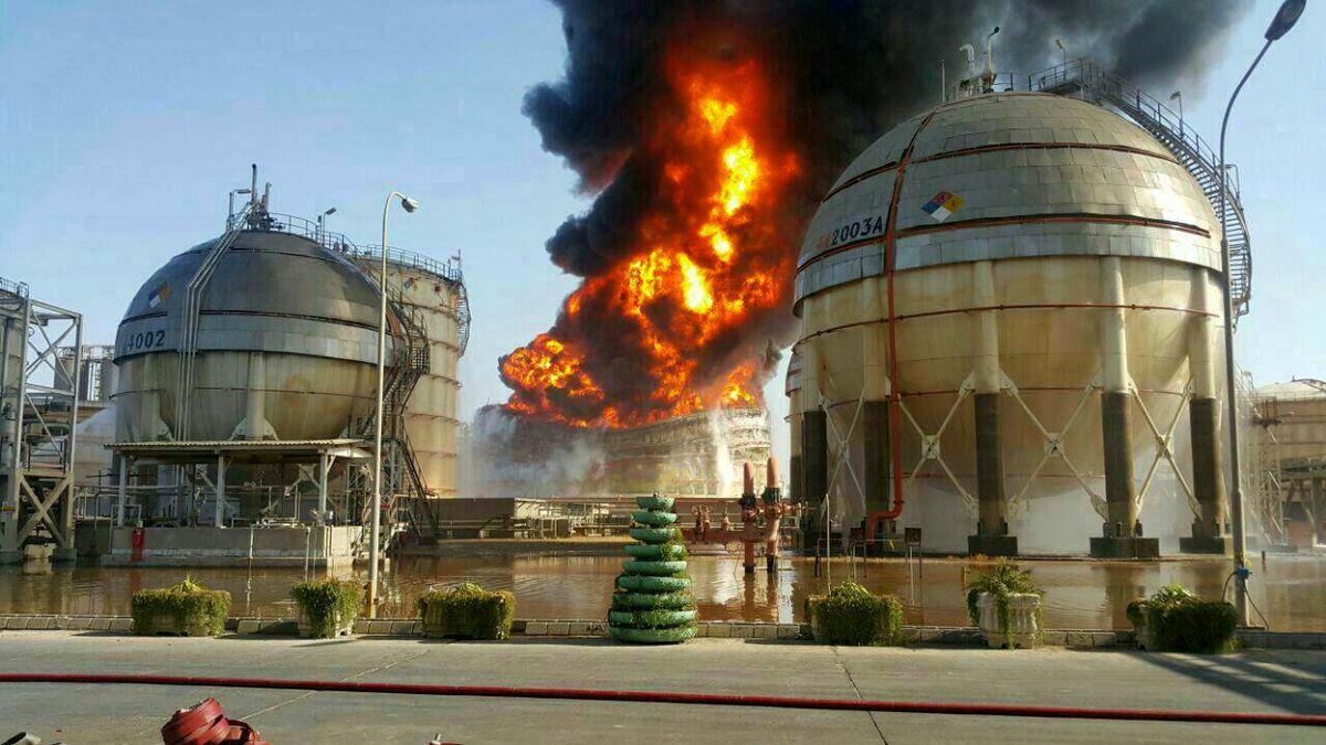 حریق مخزن ۲۰۰۱c مجتمع پتروشیمی ماهشهر خاموش شد/ حادثه آتشسوزی پتروشیمی خرابکاری نیست