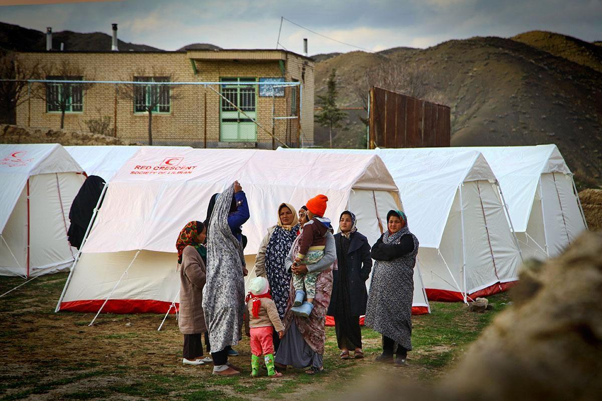اسکان اضطراری بیش از ۳۸۰۰ زلزلهزده خراسان رضوی/ توزیع بیش از ۳۹۰۰ تخته پتو در ۶۷ روستا