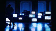 تلویزیون ساخت سریال را به بخش خصوصی واگذار کند