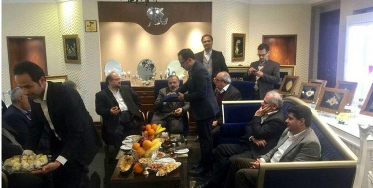 افشاگری روزنامهنگار اصلاحطلب در باره محمد شریعتمداری