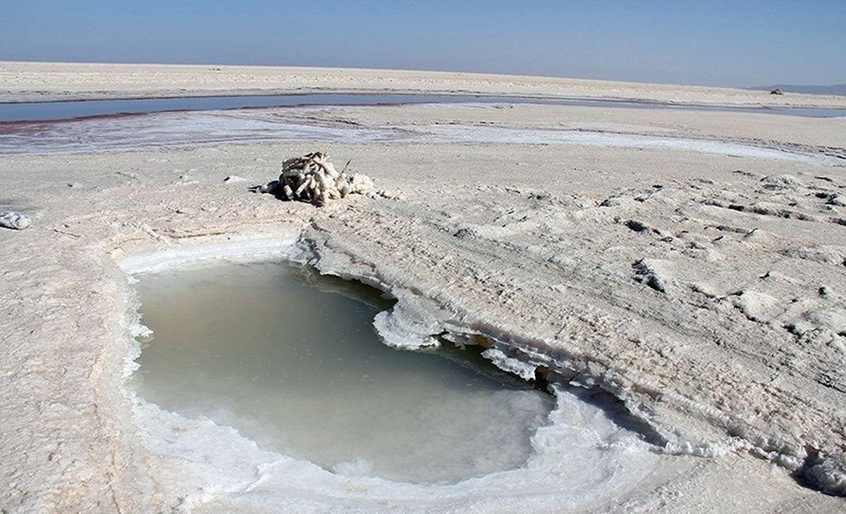 باران نیامد، ستاد احیای دریاچه ارومیه خشکید