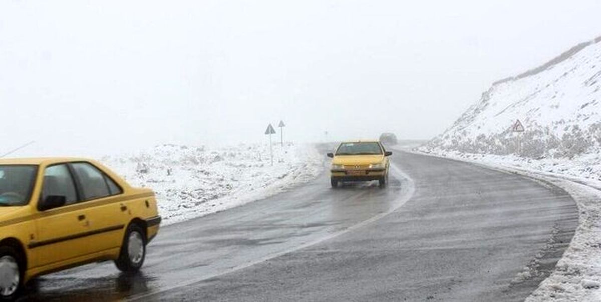 بارش برف و باران در جاده های ۱۵ استان