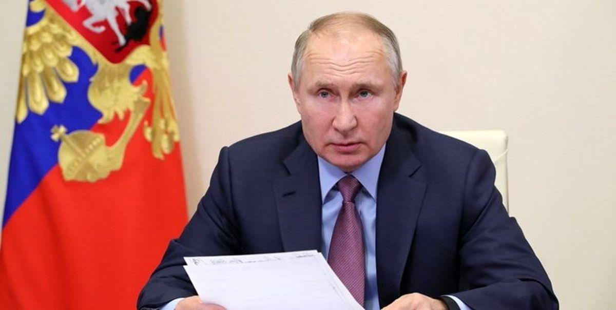 پوتین: قدرتهای خارجی از شرایط کرونا برای تحریک مخالفان استفاده میکنند